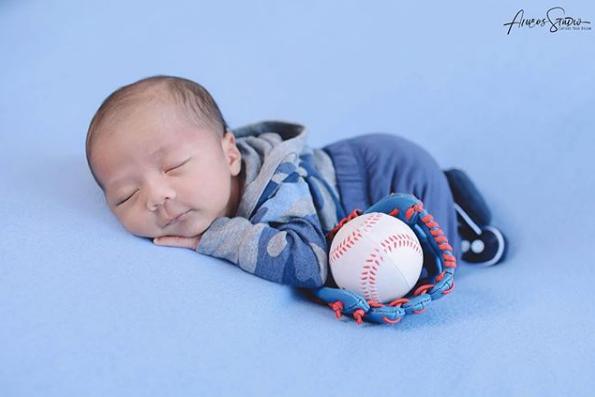 Mungkin ini orang tuanya pemain baseball