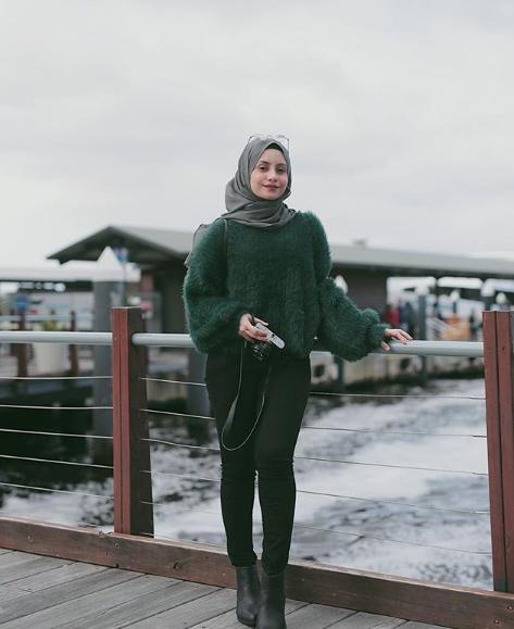 Pose Model Hijab Yang Bagus