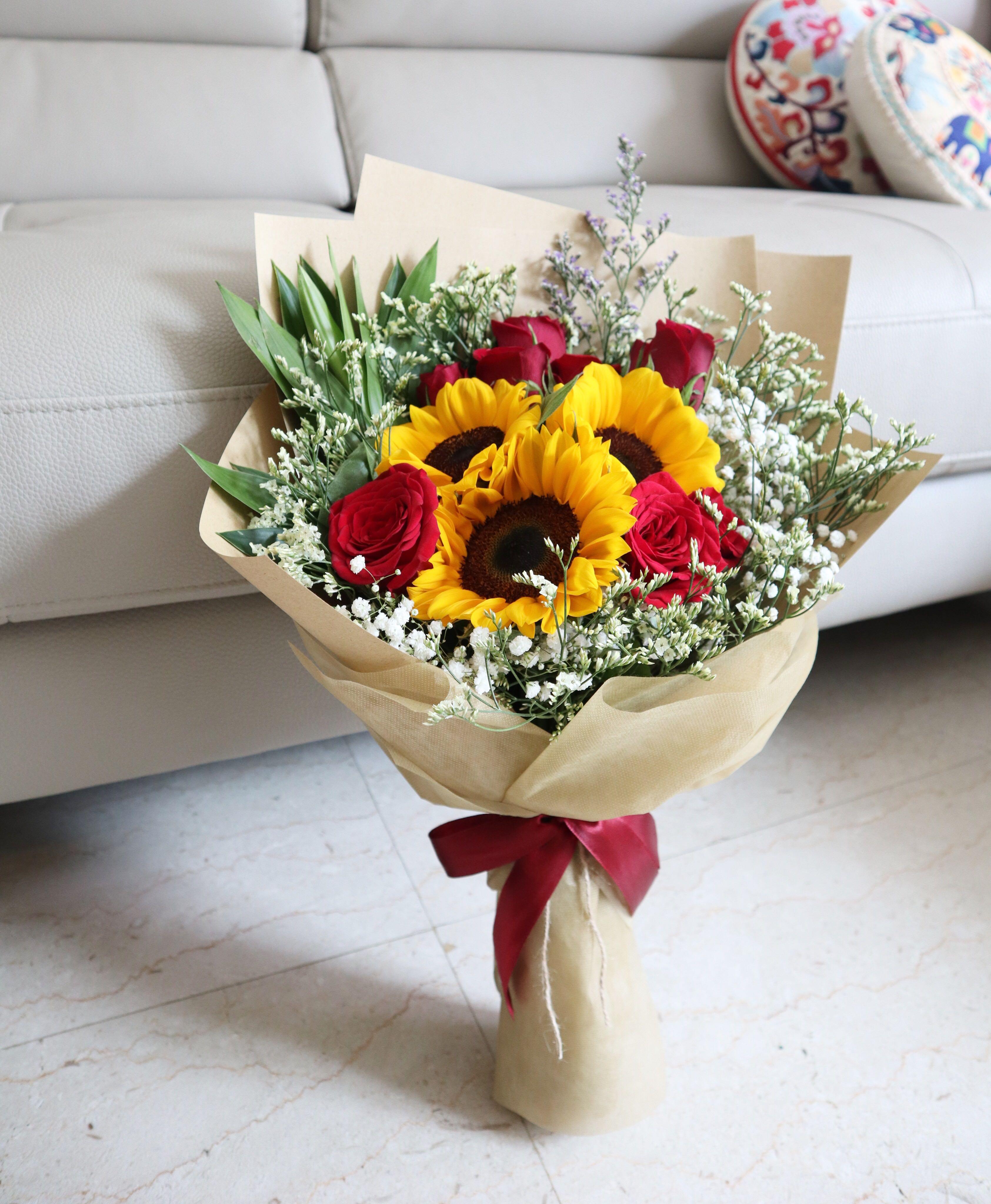 Jika kalian akan memberikan buket bunga wisuda yang rapih kasih saja ini.