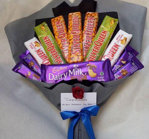 Buket coklat dengan isian brand populer