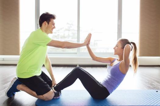 Olahraga couple bisa jadi salah satucara mengembalikan tubuh istri ideal