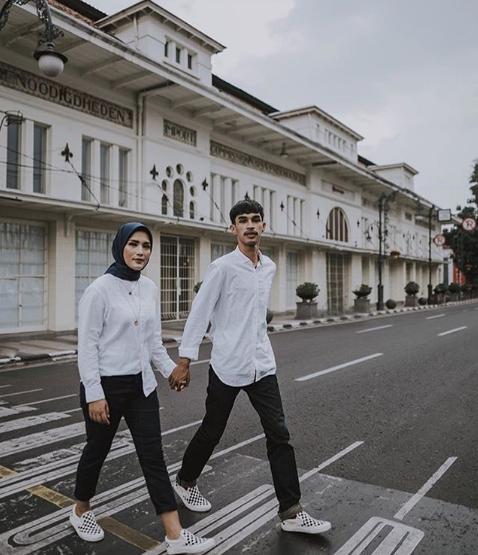 20 Foto Prewedding Hijab Romantis Portalkuningan Com