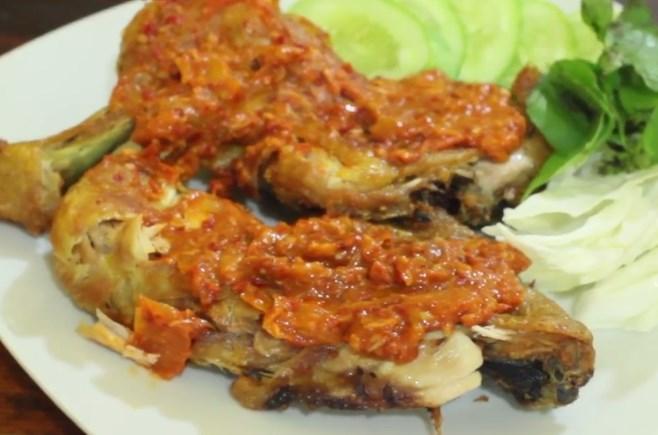 Cara Membuat Ayam Goreng Penyet Yang Enak Dan Lezat