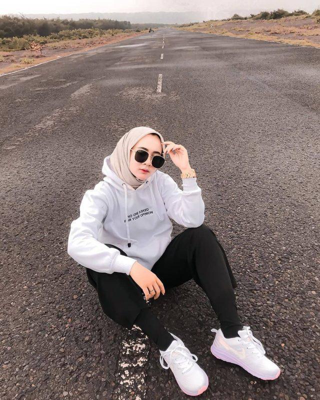 Cara Pose Ootd Hijab