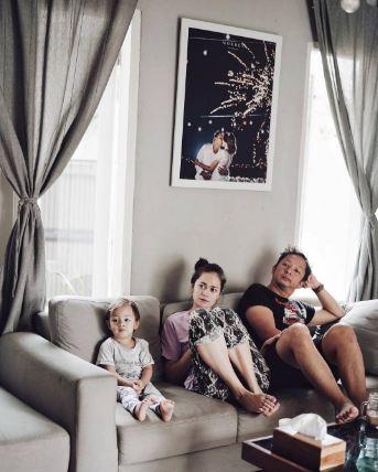 Contoh Foto Keluarga Lucu