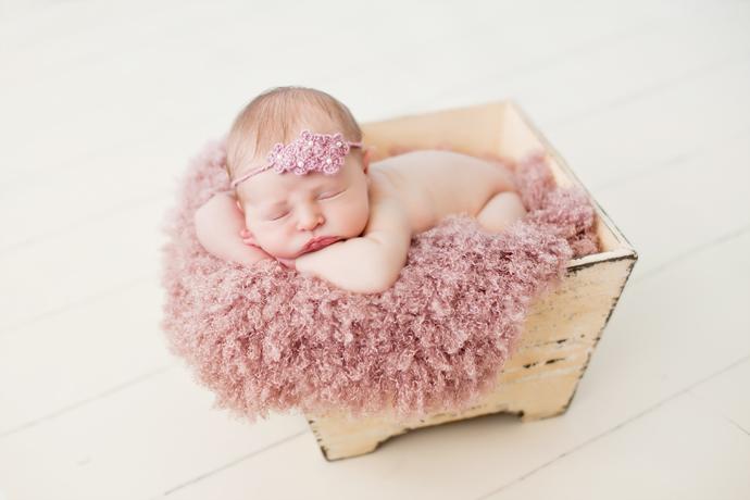 Foto Bayi Perempuan Lucu Imut