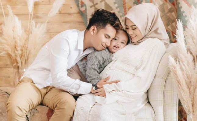 Foto Keluarga Dresscode Putih