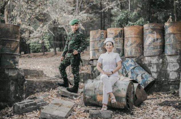 Foto Prewedding Unik Ala TNI