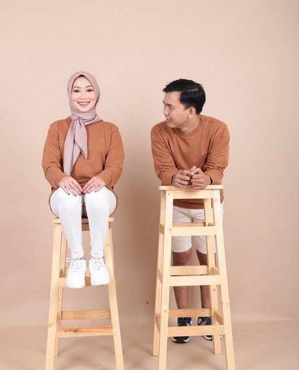 Foto Studio Couple Hijab