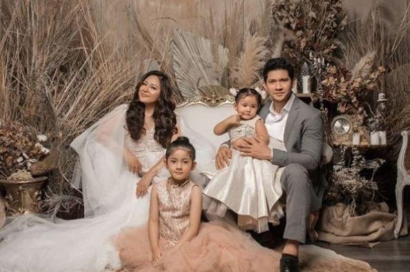 Foto Studio Keluarga Yang Bagus