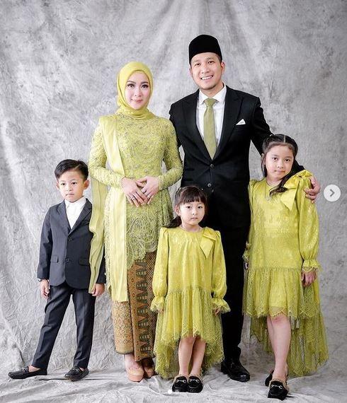 Gaya Berfoto Keluarga Yang Bagus