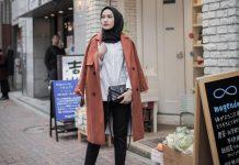 Gaya Foto Aesthetic Hijab Selfie Kekinian