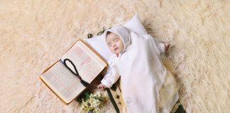 Konsep Foto Bayi Perempuan Baru Lahir Lucu Dan Cantik Di Rumah