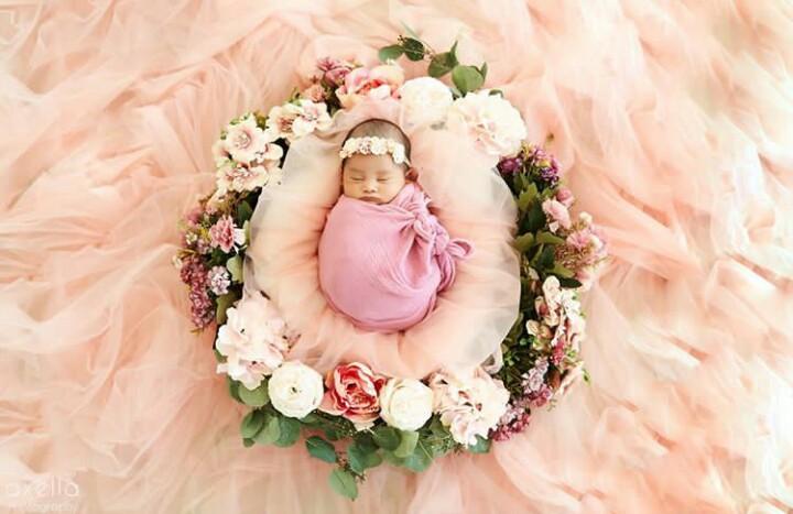 Konsep Foto Bayi Perempuan Di Rumah