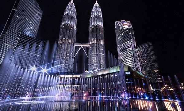 MenaraKembarPetronas NegaraMalaysia Juga Bisa Jadi Referensi Destinasi Wisata Liburan Keluarga