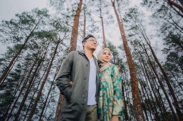 Prewedding Casual Hijab Outdoor