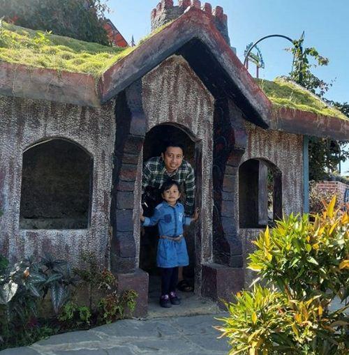 Rumah Hobbit Pondok Pinus