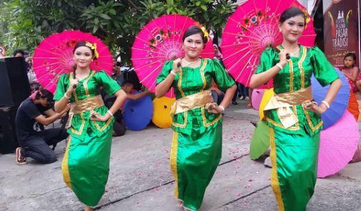 Tari Bondan Payung Jawa Tengah