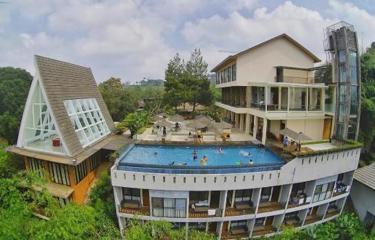 The Green Forest & Resort - Wisata Lembang