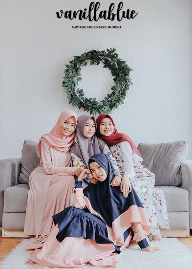 Foto studio bersama sahabat - Vanillablue