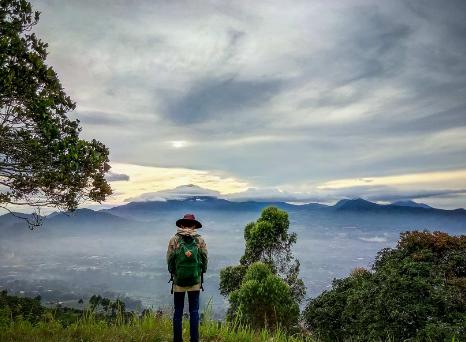 Backpacker Gunung Putri Lembang