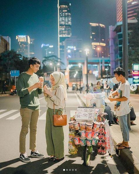 Photo Prewedding Outdoor Murah Simple And Keren